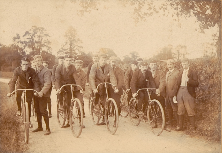 1894-Club-Race1